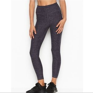 Victoria Secret Studio 7/8 Legging